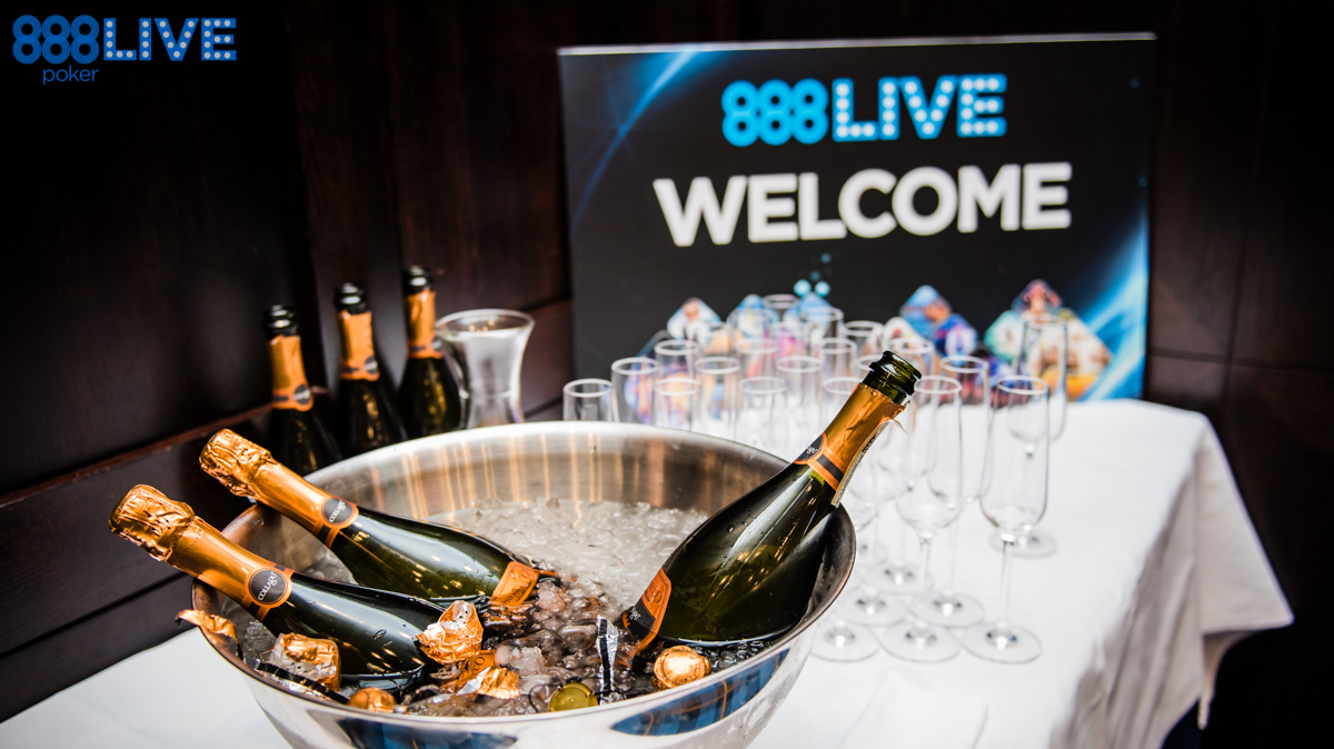 888live Snow Limit Austria - Welcome Toast-11-1468855515823_tcm1488-312423